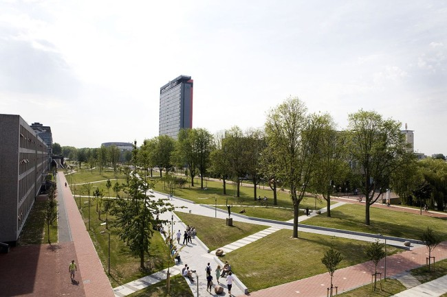 Mekel_Park_-_Campus_Delft_University_of_Technology_01.jpg
